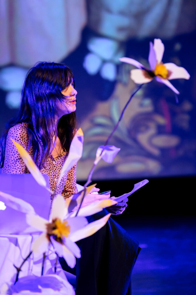 Grafixx paper flower scenography by Wilder Antwerp, with a.o. illustrator Beatrice Allemagna