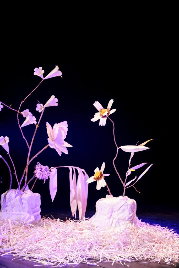 Grafixx paper flower scenography by Wilder Antwerp