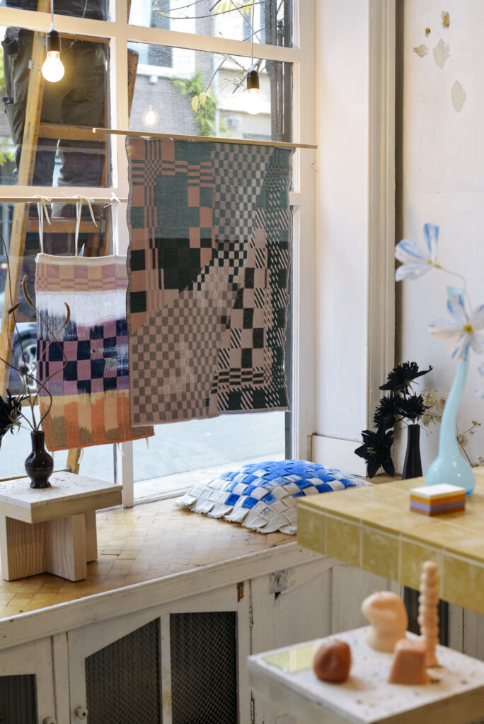 Wiesi Will ikat weavings exhibition at Wilder Antwerp flower shop
