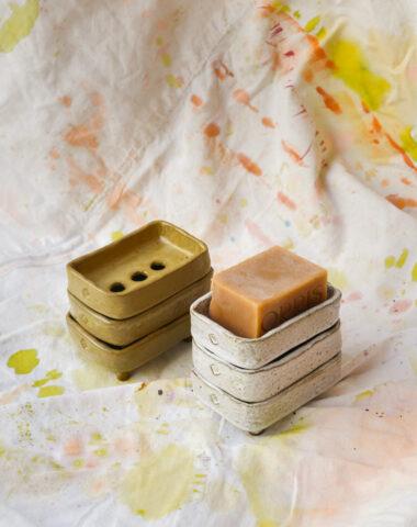 Pek Pottenbak soap dishes in glazed terracotta clay by Caroline Coenen at Wilder Antwerp
