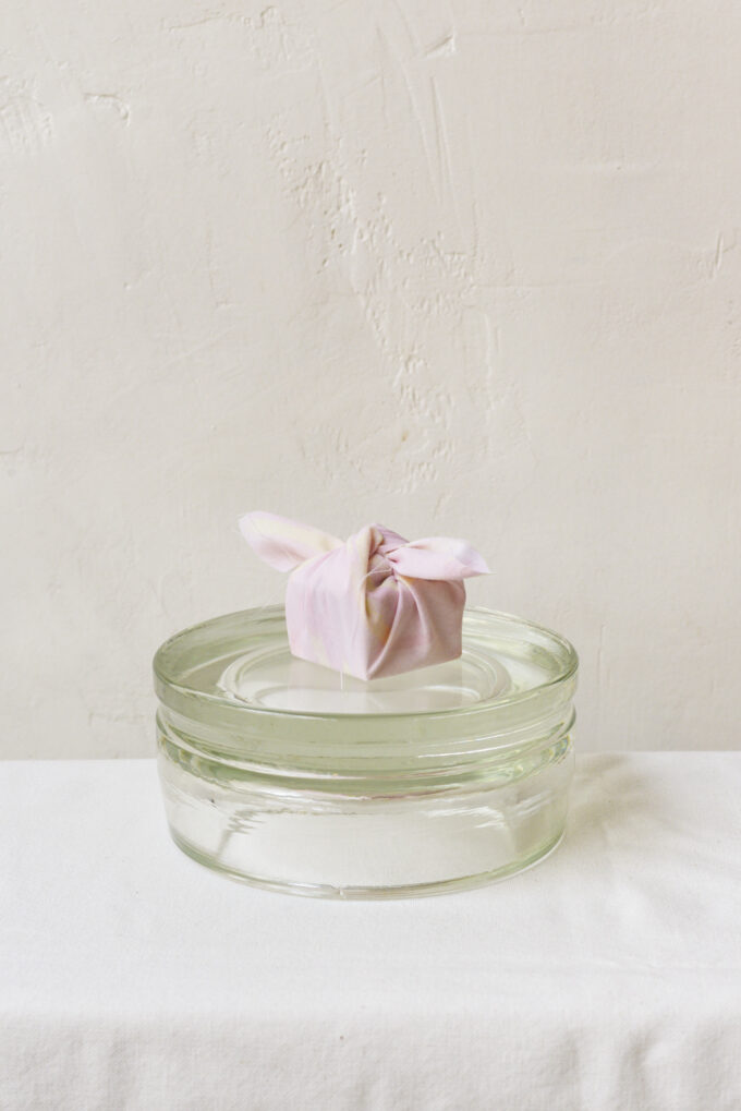 Wilder Antwerp flower delivery - kenzan combo
